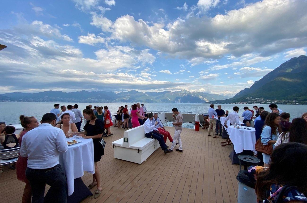 Organisation d'un événement team building - Apéritif sur le sundeck du Lausanne