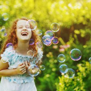 Machine à bulles pour un anniversaire